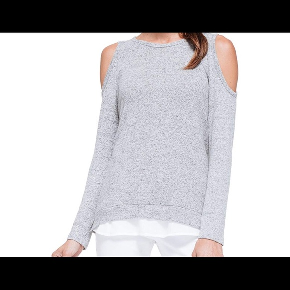 08b62329eb9547 Pleione cold shoulder layered top. M 5cae87adb146cc93c55e9f59